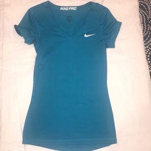 Nike Pro women's workout top